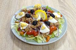 Mediterrán tonhal saláta